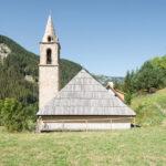 Il retro della Chiesa di Sant'Antonio .Méolans Revel. Vallon de Laverq. Davide Curatola Soprana