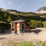 Cantiere del Gîte de Laverq. Méolans-Revel. Vallon de Laverq. Isabella Sassi Farìas