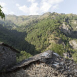 Borgata Valliera e Campofei vue de l'hameau Colletto. Castelmagno Isabella Sassi Farìas