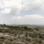 Un paysage rocailleux. Forcalquier, Les Mourres. Davide Curatola Soprana