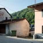Une oeuvre artistique sur les murs d'une maison. Rittana. Davide Curatola Soprana