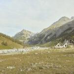 Structure pour le tourisme incomplète et parking des caravans tout près des équiments de ski Argentera. Alessandro Guida