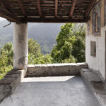 Portique de la chapelle de Foresto. Sampeyre. Foresto. + 1200 mslm. Isabella Sassi Farìas